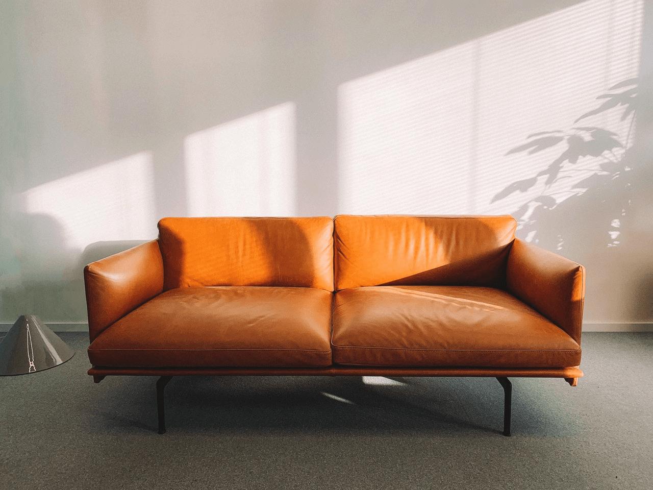 4 tips til rengøring af tæpper og møbler